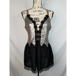 Gimmicks by bke sequin top
